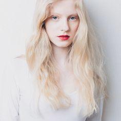 Golden Beauty Gundage @starsystemlatvia  #beauty #womanportrait #model #latvianwoman #newface #modelagency #testshoot