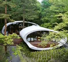Located in the forest of Karuizawa, Japan, the futuristic Shell House designed by Japanese architecture firm Artechnic is one-of-a-kind design boasts the Organic Architecture, Japanese Architecture, Amazing Architecture, Landscape Architecture, Interior Architecture, Contemporary Architecture, Interior Design, Factory Architecture, Creative Architecture
