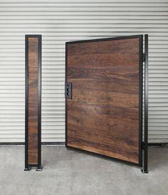 Wood Fence Gates, Fence Gate Design, Privacy Fence Designs, Fence Doors, House Gate Design, Metal Gates, Wooden Gates, Diy Fence, Metal Fence