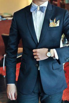 Como ir vestido a una graduacion hombre invitado