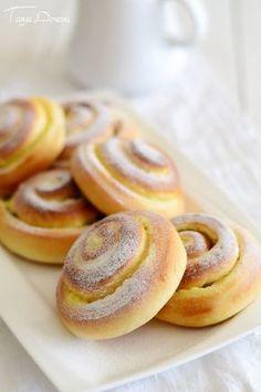 Bulgarian Recipes, Bulgarian Food, Easter Bread Recipe, Bread Recipes, Cooking Recipes, Piece Of Cakes, Dinner Rolls, Pavlova, Dessert Recipes