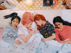 Moonbyul, hwasa, solar y wheein   Mamamoo