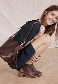 madewell novella lace-up dress worn with the frankie chelsea boot + rivet & thread mini bucket bag. Daily Fashion, Love Fashion, Spring Fashion, Winter Fashion, Ankle Boots Dress, Dress With Boots, Boho Life, Trendy Accessories, Bucket Bag