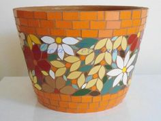 New Flowers Vase Painting Clay Ideas Mosaic Planters, Mosaic Garden Art, Mosaic Vase, Mosaic Flower Pots, Mosaic Wall Art, Flower Vases, Mosaic Birdbath, Mosaic Art Projects, Mosaic Crafts