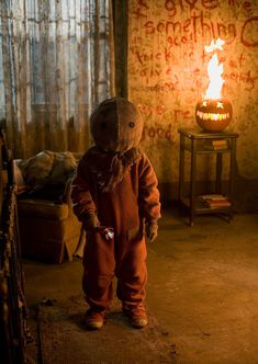 """Halloween is near and now it was announced that the cult horror flick """"Trick 'r Treat"""" gets a sequel! Casa Halloween, Halloween Movies, Creepy Halloween, Halloween Horror, Scary Movies, Halloween 2020, Ghost Movies, Vintage Halloween, Halloween Crafts"""
