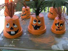 Paper cup Jack'O'Lantern craft for toddlers, preschoolers and older kids to make this Halloween. Halloween Clay, Halloween Themes, Fall Halloween, Halloween Crafts, Halloween Decorations, Painted Clay Pots, Painted Flower Pots, Painted Pumpkins, Thanksgiving Crafts