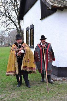 A cifraszűr változatos mintázatai. Folk Costume, Costumes, Folklore, Irish Warrior, Hungarian Embroidery, My Heritage, People Of The World, European Fashion, Traditional Dresses