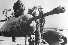 """Messerschmitt Me 262 A-1a/U4 """"Pulkzerstörer"""" Armed with an MK 214 (caliber 50 mm)"""
