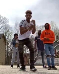 on Mood [Video] Dance Music Videos, Dance Choreography Videos, Funny Dance Videos, Music Mood, Mood Songs, Dance Sing, Just Dance, Funny Dancing Gif, Ropa Hip Hop