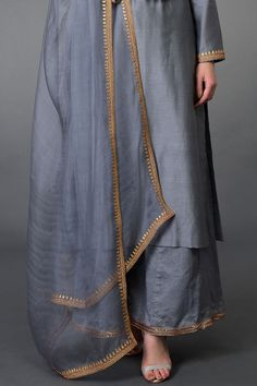 Grey Marori and Sequin Work Farshi Palazzo Suit Stylish Dress Designs, Designs For Dresses, Stylish Dresses, Women's Fashion Dresses, Hijab Fashion, Hand Embroidery Dress, Kurti Embroidery Design, Kurti Neck Designs, Kurti Designs Party Wear