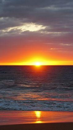 The Most Beautiful Sunsets In The World – Page 3 – Cool backgrounds Beach Sunset Wallpaper, Ocean Wallpaper, Nature Wallpaper, Cool Backgrounds, Phone Backgrounds, Beautiful Sunset Pictures, Background Pictures, Aesthetic Wallpapers, Chakra