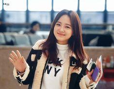 Kim Sejeong, Jellyfish Entertainment, Jeon Somi, Cha Eun Woo, Ioi, Face Claims, Listening To Music, Korean Singer, Kpop Girls