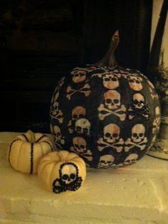 Oh MY oh MY~ decoupaged pumpkins Diy Ideas, Party Ideas, Modern Halloween, Holidays Halloween, Holiday Decorations, Pumpkin Carving, Pumpkins, Skulls, Design Projects
