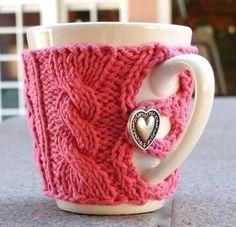 10 ideas for reusing old sweaters:  No. 1 - Cup Warmer made from an old sweater #DIY #upcycle