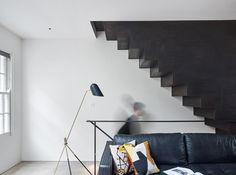 The Perf House Is a Renovated Georgian Terrace House In London by AMA - Design Milk Terraced House, Modern Staircase, Staircase Design, Staircase Ideas, Elegant Living Room, Living Room Modern, Georgian Terrace, London Townhouse, House Inside