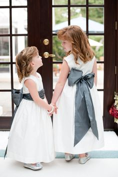 flower girls!! OOOH this for little Hadley with a BIG Navy Bow!