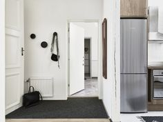 paredes blancas maderas oscuras decoración estilo nórdico decoración de salones decoración de interiores decoración de dormitorios contraventanas casas hogares nórdicos casas de madera blog decoración nórdica
