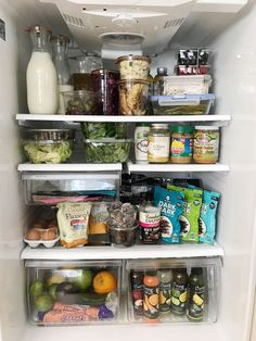 41 how to create the perfectly organized fridge and freezer (you can try 15 Refrigerator Organization, Kitchen Organization, Organized Fridge, Organized Entryway, Kitchen Refrigerator, Healthy Fridge, Clean Eating, Healthy Eating, Le Diner