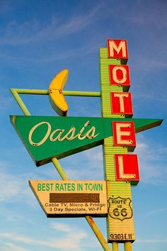 Oasis Motel Mid Century Modern Decor Old Neon Sign Retro Home Decor Googie Motel Sign Road Trip Fine Art Photography Old Neon Signs, Vintage Neon Signs, Old Signs, Arcade, Design Lounge, Retro Signage, Plywood Furniture, Furniture Design, Mid Century Modern Decor