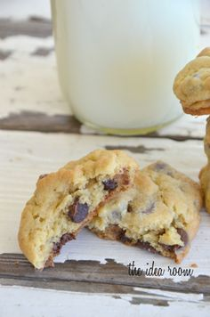 Chocolate Chip Pudding Cookies - a friend of mine makes them with chocolate pudding and loves them.  I've gotta try this recipe.