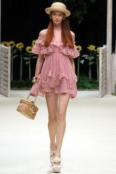 TRUE FASHIONISTA NOW: Tokyo Fashion Week: WC S/S 2013 Collection.