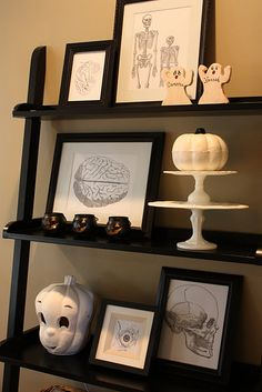 Halloween ladder bookshelf ... and not a speck of orange anywhere! This is a sophisticated Halloween look.