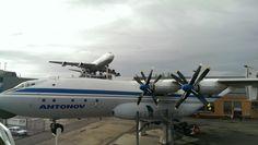 Antonov & boeing 747