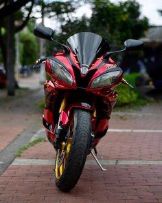 Yamaha Bikes, Motorcycles, Gp Moto, Motorbike Girl, Super Bikes, Motorbikes, Vehicles, Feminine Short Hair, Bass