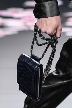 メンズ コレクション in 2019 Mens Leather Accessories, Bag Accessories, Sac Week End, Inspiration Mode, Leather Bags Handmade, Small Leather Goods, Dior, Chanel Boy Bag, Mini Bag