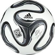 The adidas MLS Prime Top Training Ball is NFHS certified and an official replica of the MLS league game ball. Perfect for advanced soccer training, the Prime Top Trainer features TSBE seamless surface