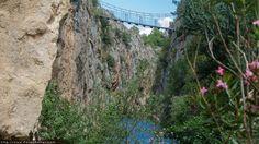 Puente colgante en Chulilla Ruta de los puentes colgantes en Chulilla #PuentesColgantes #Paisajes #Calderones
