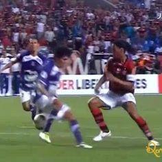 Ronaldo de Assis Moreira @ronaldinhooficial:  @flamengo