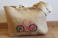 Resultado de imagen para bolsos de tela con frases Burlap, Reusable Tote Bags, Ideas, Frases, Fabric Handbags, Sacks, Cushions, Bags, Tejidos