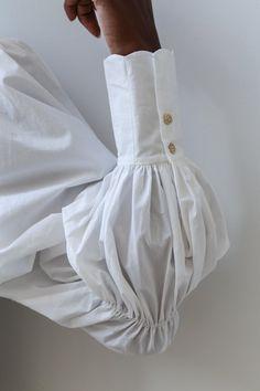 Renli Su Smocked Yoke Dress - Renli Su Smocked Yoke Dress Source by nellanee - Look Fashion, Fashion Details, Fashion Design, Couture Details, Classy Fashion, Korean Fashion, Mode Outfits, Fashion Outfits, Womens Fashion