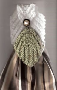 Venetian leaf Towel Topper - this would be cute in fall colors on a fall patterned towel