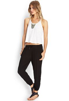 Forever 21 is the authority on fashion & the go-to retailer for the latest trends, styles & the hottest deals. Shop dresses, tops, tees, leggings & more! Vogue Fashion, Workout Pants, Joggers, Latest Trends, Harem Pants, Forever 21, Leggings, Clothes For Women, Stylish