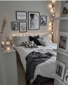 20 tips will help you improve the environment in your bedroom credit decoration interieur home decoration decoration salon Room Ideas Bedroom, Teen Room Decor, Home Bedroom, Bedroom Decor, Bedrooms, Teen Bedroom Designs, Aesthetic Room Decor, Stylish Bedroom, Cozy Room