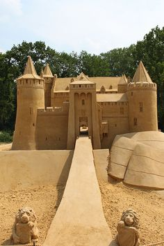 Sand sculpture - Amazing!