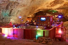 how cool is this - you can stay underground in the Grand Canyon Suite