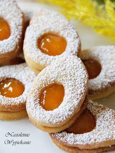 Nastoletnie Wypiekanie: Wielkanocne jajeczka z dżemem Oreo Cupcakes, Angel Cake, Sweet Cakes, Doughnut, Sweet Recipes, Cookie Recipes, Food And Drink, Sweets, Cookies