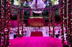 Les belles maisons - Les Belles Maisons habla con... el decorador de eventos… Night Lamps, Transitional Chandeliers, Wedding Decoration, Events, Nice Houses
