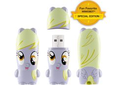 Attention all #bronies & #pegasisters: Fan Favorite Pony MIMOBOT limited to 850 pieces at Comic-Con.