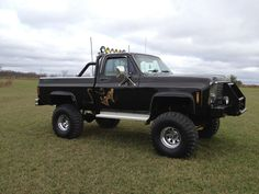 """1979 chevy 4x4 this is not my truck but I have a blue swb 1979 chevy custom deluxe 4x4 4"""" lift and 33"""" swampers"""