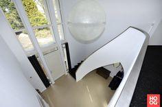 Sonnemans trappen ronde trap wit zwart hoog □ exclusieve woon