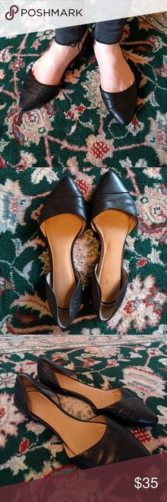 Tommy Hilfiger flats Adorable Tommy Hilfiger flats with leather upper. Size 8M. Only getting rid of these because sadly they are slightly too big for me. Slightly used condition but still lots of life! Tommy Hilfiger Shoes Flats & Loafers