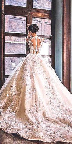 ball gown wedding dresses via malyarovaolga instagram - Deer Pearl Flowers / http://www.deerpearlflowers.com/wedding-dress-inspiration/ball-gown-wedding-dresses-via-malyarovaolga-instagram/