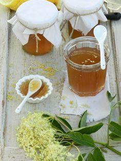 Gelée de fleurs de sureau Dandelion Recipes, Fruit Roll Ups, Jam And Jelly, Sweet Sauce, Food Club, Food Humor, Sweet Recipes, Breakfast Recipes, Summer Recipes