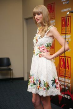 #TaylorSwift 's #Clothes & #Fashion #Outfits #style #fashionstyle #fashiontips #women #gals