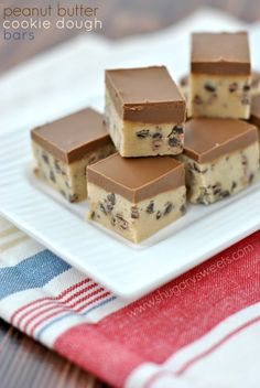 Peanut Butter Cookie Dough Bars: it's safe to eat, delicious, an easy no bake recipe!