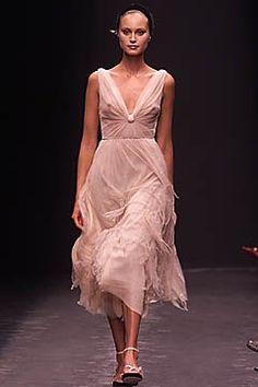 Alberta Ferretti Spring 2001 Ready-to-Wear Fashion Show Collection